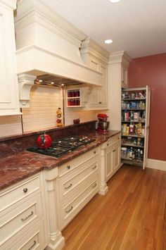 Impress Smart Kitchen Pantry Designs That Can Inspire You Tidy Kitchen, Kitchen Pantry Design, Kitchen Pantry Cabinets, Kitchen Interior, New Kitchen, Kitchen Storage, Kitchen Ideas, Kitchen Stuff, Kitchen Drawers