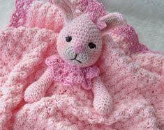 Zebra Huggy Blanket Crochet Pattern Baby Blanket por TCrewsDesigns