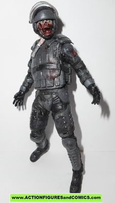 The Walking Dead RIOT GEAR ZOMBIE series 4 todd mcfarlane action figures