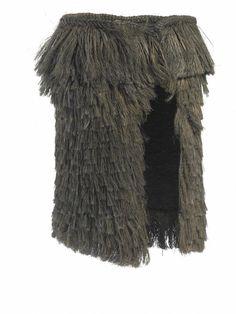 Kahu toi style of cloak Polynesian People, Flax Weaving, Flax Fiber, Rain Cape, Maori Designs, French Collection, Maori Art, Elvish, Wearable Art