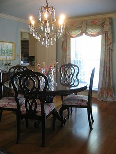 Formal Dining Room In British Colonial Style   Exotic Toile, Flowers And  Mahogany.