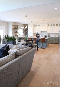See our recap of beautiful homes from the 2019 UV Parade of Homes for fresh design ideas and home building inspiration. Open Kitchen And Living Room, Open Space Living, Small Living Rooms, Living Room Decor, Living Room Open Concept, Open Spaces, Concept Ouvert, Open Concept Kitchen, Home Interior