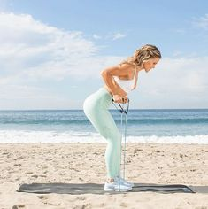 5 Quick Resistance Band Arm Workouts You Can Do at Home - Abs Workout Arm Workout No Equipment, Arm Workout Men, Dumbbell Arm Workout, Arm Workout With Bands, Workout Women, Resistance Band Arms, Resistance Band Exercises, Resistance Tube, Arm Workouts At Home