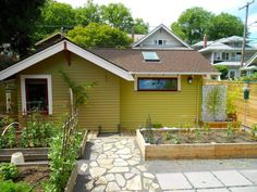 After attending a class on developing accessory dwelling units, Susan Moray was sold on the idea of replacing her alley-facing garage with a compact cottage. Susan's home is a character bungalow lo...