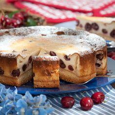 Quarkkuchen mit Süßkirschen