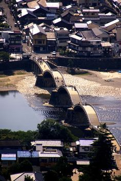 Kintaikyo Bridge, Yamaguchi, Japan - One of the 3 Great Bridges of Japan, it was originally built without using any nails and reconstructed several times: photo by Ojisanjake
