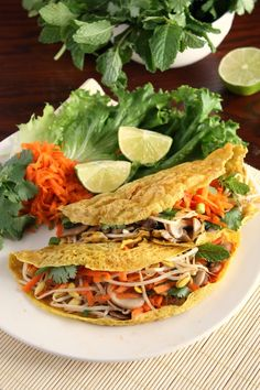 Crispy Vietnamese Riceflour Pancakes filled with fresh herbs and vegetable