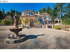 In this week's real estate gallery, we look at Oregon homes called Mediterranean villas.