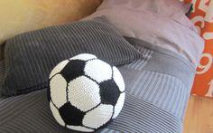 Messuilta sisustusideat lastenhuoneisiin @Asuntomessublogit 4 Kids, Soccer Ball, Cute, Sports, Hs Sports, European Football, Kawaii, European Soccer, Soccer
