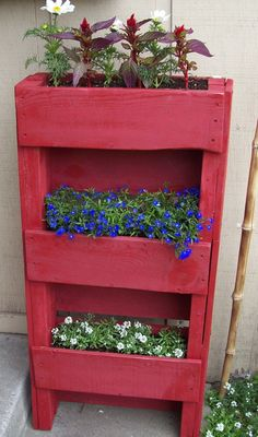 A place for herbs and tomatoes on our west facing patio?  Vertical Planter / Shelf Upcycled from Pallet