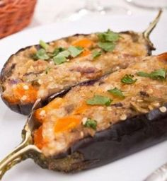 Meat Stuffed Eggplant is a delicious food from Romania. Learn to cook Meat Stuffed Eggplant and enjoy traditional food recipes from Romania. Turkey Recipes, Veggie Recipes, Cooking Recipes, Healthy Recipes, Romanian Food, Romanian Recipes, Bacon On The Grill, Vegetable Casserole, Eggplant Recipes