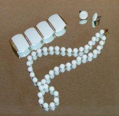 1018~Vintage Set White Bead Necklace, White Stretch Bracelet & White Earrings**
