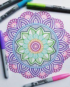 Mandala design art - Drawing On Creativity – Mandala design art Dibujos Zentangle Art, Zentangle Drawings, Doodle Drawings, Art Drawings Sketches, Doodle Art, Zen Doodle, Doodles Zentangles, Mandala Doodle, Mandala Art Lesson