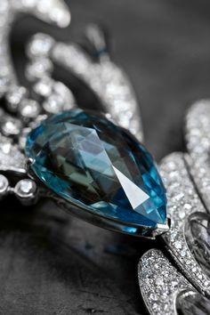 Paon de Lune Aquamarine necklace Boucheron