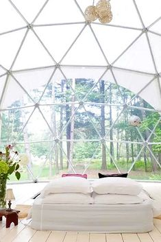 Imagine waking up in this beautiful glamping dome in the Catskill Mountains! The minimal interior lets you appreciate the close proximity to nature.