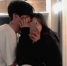 Image about couple in ( ulzzang ) by ; ⊹ ✧ on We Heart It Korean Girl Ulzzang, Couple Ulzzang, Mode Ulzzang, Cute Couples Photos, Cute Couple Pictures, Cute Couples Goals, Couple Photos, Cute Couple Selfies, Couple Aesthetic