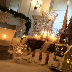 New Year Table Design / Yeni Yıl Masa Dekorasyon / dekorasyon / Sandelye / New Year Cakepop ideas / Holidays / Newyear / Newyear table / New Year Table / Christmas Table /Chrismass Table Ideas