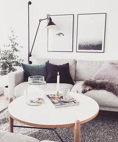 November evenings⭐️ Litt snikpynting også Det er tross alt bare litt over en uke til første søndag i advent⭐️ #interior #livingroom #papercollective #nordiskehjem #lampegras #christinalundsteen #interior4all #desenio