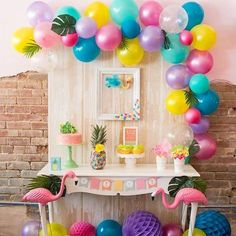 See this adorable flocks of flamingos themed birthday party on #KarasPartyIdeas.com today (click link in bio)! Styled by @madeofsugarandspice!