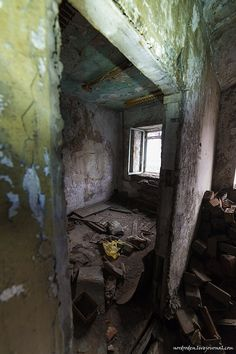 adanboned house in Norilsk     ☆   Siberia   ☆      Russia