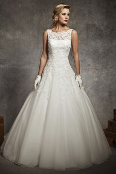 Justin Alexander Ball Gown - i surprisingly like this look very glamorous!