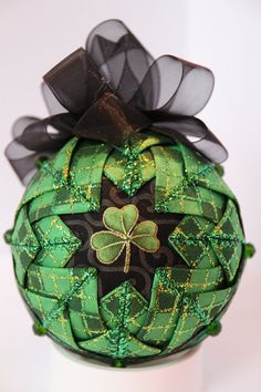 Striking Shamrock Ornament by GoldenGirlOrnaments on Etsy Quilted Fabric Ornaments, Quilted Christmas Ornaments, Christmas Cover, Glitter Ornaments, Beaded Ornaments, Christmas Art, Ball Ornaments, Styrofoam Crafts, Shibori