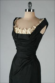 Vintage black silk dupioni dress with ruche bodice and ivory flowers insets Vintage 1950s Dresses, Vintage Outfits, Mega Fashion, Color Fashion, Style Fashion, Fashion Quiz, Classy Fashion, Korean Fashion, 1950s Fashion