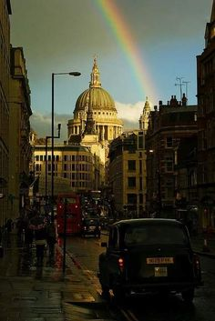 St Pauls cathedral , LONDON