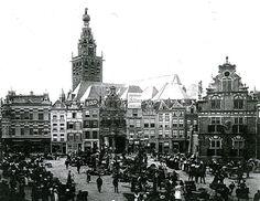 Groentenmarkt op de Nijmeegse Grote Markt in het begin van de vorige eeuw. De warmoezeniers uit Lent probeerden toen nog hun groenten en fruit op de markt rechtstreeks aan de man te brengen. Langzaam namen de veilingen die taak over. Lentse ondernemers specialiseerden zich voor, maar vooral na de eerste wereldoorlog, in de kweek van potplanten. Na de tweede wereldoorlog markten de Lentse ondernemers niet meer in Nijmegen Paris Skyline, Cathedral, Building, Travel, Viajes, Buildings, Cathedrals, Destinations, Traveling