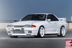 1993 Nissan Skyline GTR R32. Godzilla love Nissan Skyline Gtr R32, R32 Skyline, R32 Gtr, Nissan R32, Japanese Sports Cars, Japanese Cars, Sports Cars Lamborghini, Lamborghini Gallardo, Tuner Cars