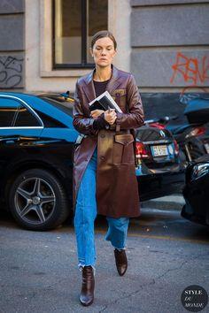Milan SS 2018 Street Style: Jo Ellison