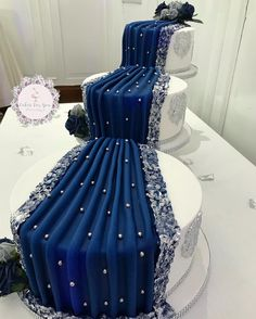 Rather than stacking cake layers, distributed, so ensure weight isn't a problem? Elegant Wedding Cakes, Beautiful Wedding Cakes, Gorgeous Cakes, Wedding Cake Designs, African Wedding Cakes, Cupcake Cakes, Cupcakes, Traditional Wedding Cakes, Cake Decorating Techniques