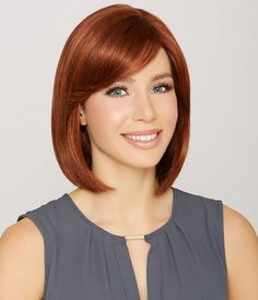 25 Chin Length Bob Hairstyles That Will Stun You in 2019 - Style My Hairs Shaggy Bob Haircut, Cute Bob Haircuts, Asymmetrical Bob Haircuts, Lob Haircut, Modern Bob Hairstyles, Bob Hairstyles For Fine Hair, Trending Hairstyles, Hairstyles Haircuts, Hairstyles Pictures