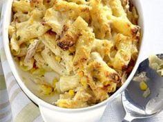 Amestecati toate ingredientele, lasand untul si pesmetul deoparte. - Rețetă Felul principal : Ton cu macaroane la cuptor (tuna bake) de Retete30minute