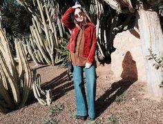 ¡Apuesta por un outfit boho chic como @laurarolgarcia ! Combínalo con clutch Bissú y juega con el mix de estilos. #estilismo #moda #bohochic #seventies #bissubags #tweed #clutch #mixestilos #outfit #look #trend #tendencia #theoutfitoftheday #style #bestlook #tendencia #springsummer #newcollection #sun #accesorios #complementos #bolsos