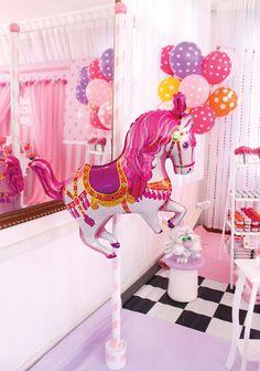 DIY carousel horse balloon on a pole