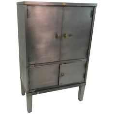 industrial, Art Deco, office, document cabinet by Art Metal features a newly brushed steel finish with brass accents has closed top storage 25 inches height and bottom storage at 13 inches height. Interior finish is its original brown finish. Funny Furniture, Modern Furniture, Industrial Storage Cabinets, Interiores Art Deco, Grey Interior Doors, Steel Cabinet, Steel Art, Office Cabinets, Adjustable Shelving