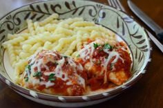 Chicken breasts stuffed with a delicious three cheese and pepperoni mixture and baked with marinara sauce. Pizza Chicken is a super family-friendly meal!