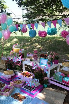 Picnic Revista Incluir Ballerina Birthday, Barbie Birthday, Unicorn Birthday Parties, Garden Party Decorations, Party Centerpieces, Picnic Birthday, Tropical Party, Ideas Para Fiestas, Party In A Box
