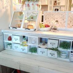 キッチンカウンターとテーブルの間に合う飾り棚収納をDIYしました。自分の欲しいサイズで作れるDIYっていいなぁ~♪