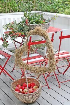 VIBEKE DESIGN: På mitt røde bord...
