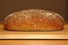 Ibland kan det vara lite svårt att få min son Algot att äta bröd som innehåller torkad frukt men så hittade jag det här brödet. Receptet kom... Baking, Bread Making, Patisserie, Backen, Sweets, Roast
