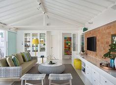 area-de-lazer-na-cobertura Interior Decorating, Interior Design, House In The Woods, Home Living Room, Decoration, Rustic Decor, Interior And Exterior, Panda, Sweet Home