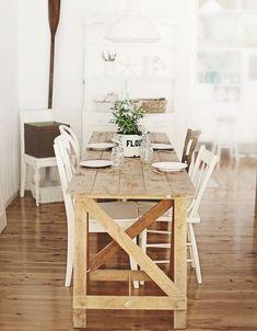 Sala de jantar estreita? Vem ver ideias tão lindas que isto nem vai ser problema!   Sua sala de jantar estreitinha está te dando dor de ...