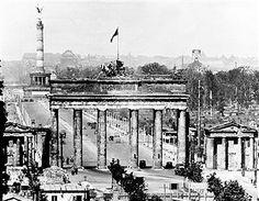 Berlin 1949 Brandenburger Tor und Siegessaeule