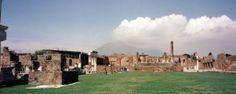 The ruins of Pompeii, with Mt. Vesuvius in the distance  photo: Robert Bovington 2000 https://plus.google.com/+RobertBovington/photos