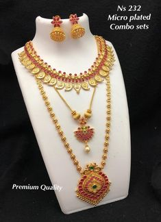 jewelry available at Arshi's. for bookings whatsapp on worldwide shipping Indian Jewellery Design, Jewellery Designs, Indian Jewelry, 1 Gram Gold Jewellery, Gold Jewelry, Gold Necklace, Arabic Mehndi Designs, Jewelry Collection, Temple