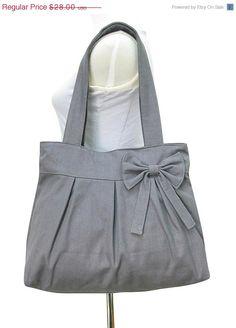Valentine Sale - 10% off Gray cotton canvas tote bag / bow purse / shoulder bag / diaper bag - zippered closure on Etsy, $25.20