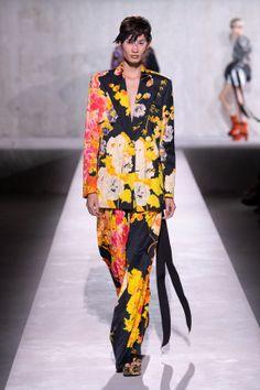 Fashion Prints, Fashion Art, High Fashion, Womens Fashion, Fashion Design, Ankara Fashion, Costumes Couture, Power Dressing, Ankara Styles