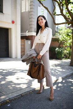 35 Adorable Friday Outfits Ideas To Look Professional But Fun - It is often a worry for people when starting a new job, and is a fact, that for our first day of work we always overdress; the suits come out, the tru. Summer Business Attire, Business Professional Outfits, Business Outfits Women, Office Outfits Women, Business Fashion, Business Women, Work Fashion, Fashion Outfits, Woman Outfits